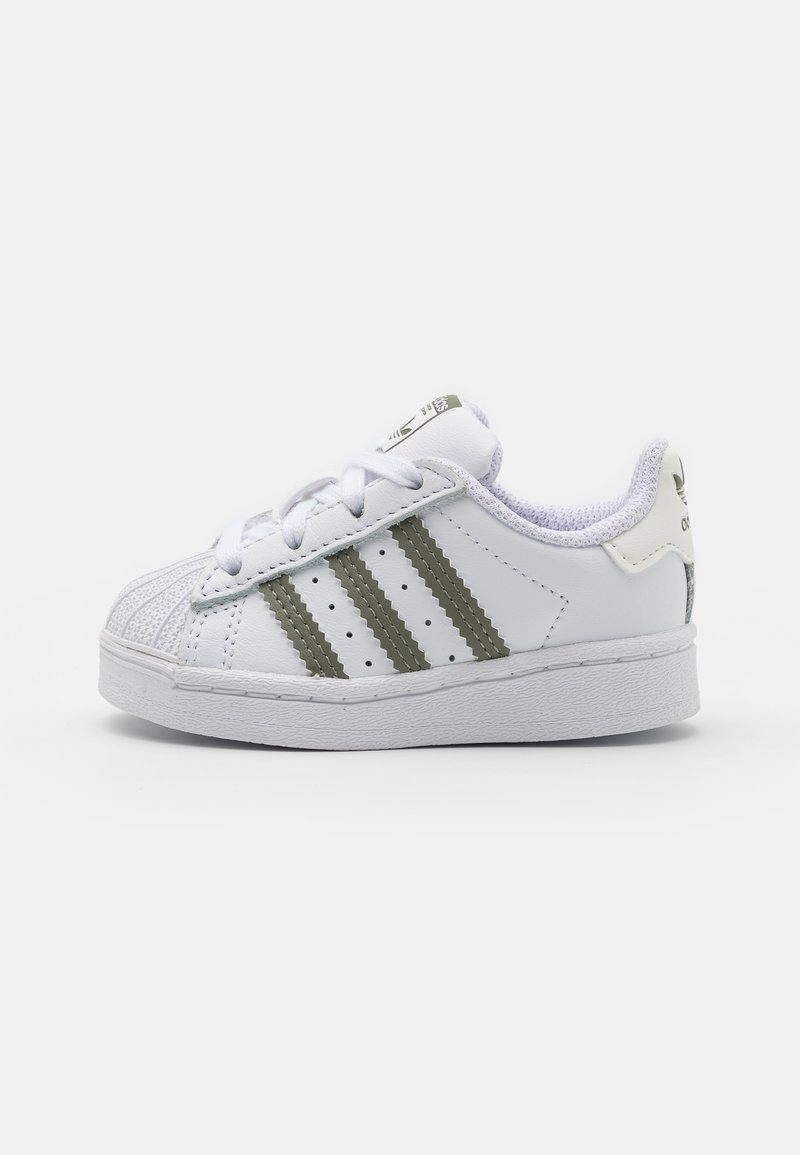 adidas Originals - SUPERSTAR UNISEX - Baby shoes - footwear white/legacy green/offwhite