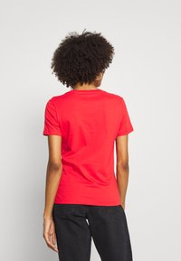Guess - T-shirt print - necessary red - 2