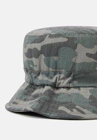 Name it - NKMBOJAN HAT 2 PACK UNISEX - Klobouk - deep lichen green - 3