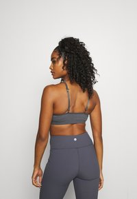Cotton On Body - WORKOUT YOGA CROP - Light support sports bra - pewter grey - 3