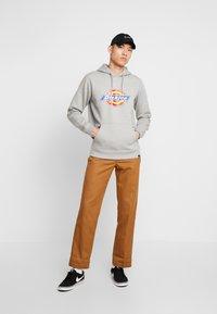 Dickies - SAN ANTONIO - Hoodie - gray melange - 1