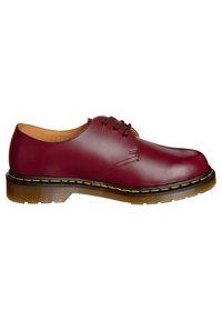 Dr. Martens - 1461- 3 EYE SHOE - Sznurowane obuwie sportowe - cherry red - 5