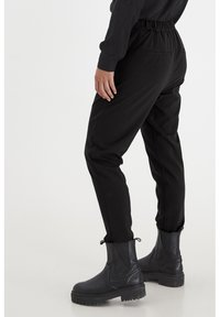 PULZ - PXVICTORIA SPECIAL FAIR OFFER - Trousers - black beauty
