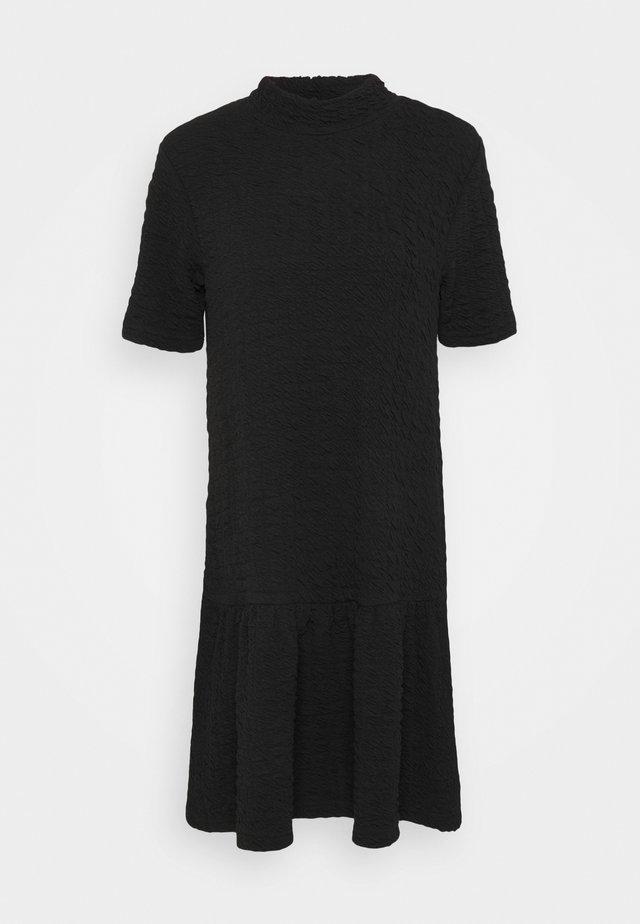 BYSYNNA DRESS - Vardagsklänning - black