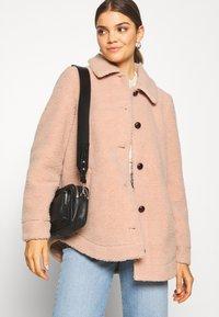 Vero Moda - VMZAPPA JACKET - Winter jacket - mahogany rose - 4