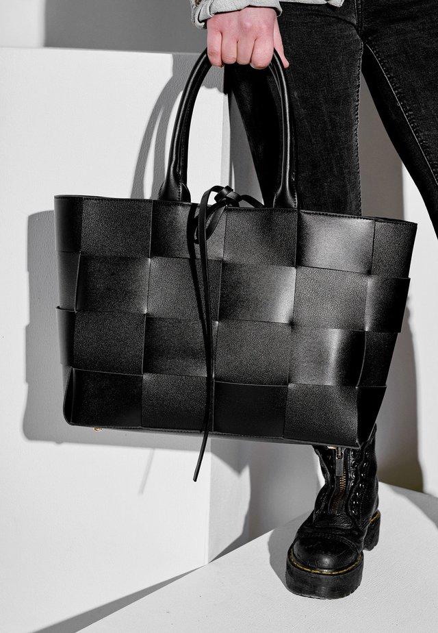FLECHTOPTIK - Tote bag - schwarz