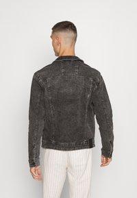 Only & Sons - ONSCOME LIFE TRUCKER - Denim jacket - grey denim - 2