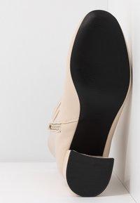 Even&Odd - Kotníkové boty - white - 6