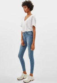 Bershka - Jeans Skinny Fit - light blue - 1
