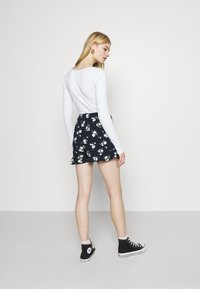 Hollister Co. - RUFFLE SKORT - Kraťasy - navy - 2