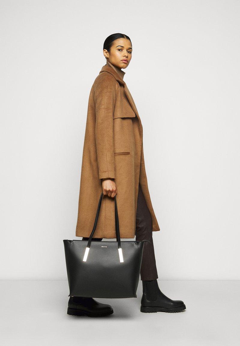 Maison Hēroïne - FRANCA - Shopper - black