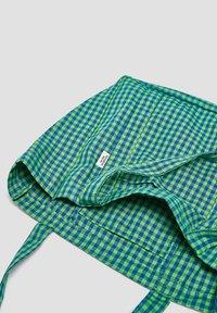 PULL&BEAR - KARIERTE - Tote bag - green - 4
