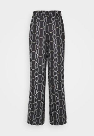 HADA TRACK PANT - Bukse - black allover/blanc de blanc