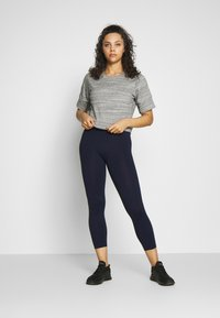Cotton On Body - ACTIVE CORE CROPPED - Medias - navy - 1
