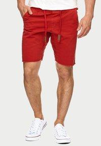 INDICODE JEANS - CARVER - Denim shorts - red - 0