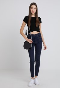 Even&Odd - Basic T-shirt - black - 1