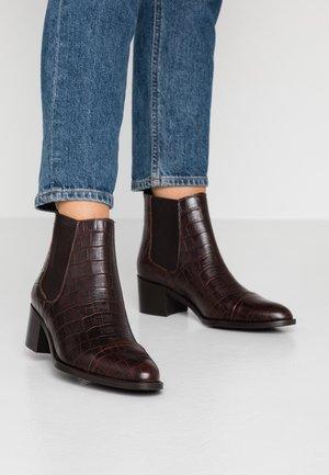 BIACAROL DRESS CHELSEA - Ankelboots - dark brown