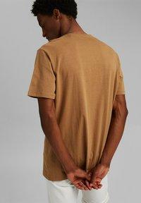 Esprit - Basic T-shirt - camel - 5
