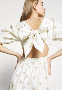 Glamorous - TIE BACK BUTTON MINI DRESSES WITH PUFF SLEEVES - Day dress - yellow - 7
