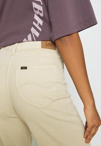 Lee - STELLA A LINE - Flared Jeans - sand - 5