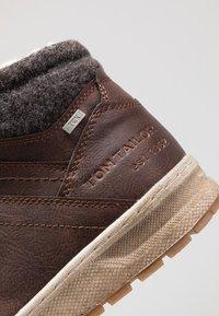 TOM TAILOR - Höga sneakers - brandy - 5