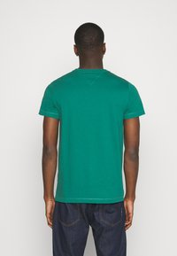 Tommy Jeans - CHEST LOGO TEE - T-shirt con stampa - midwest green - 2