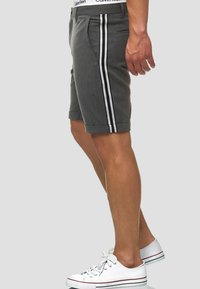 INDICODE JEANS - Shorts - charcoal - 3