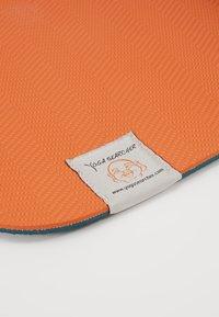 Yogasearcher - COMFORT YOGA MAT 5MM - Fitness/yoga - grey/orange - 3