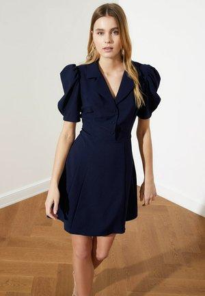 SIYAH - Sukienka koszulowa - navy blue