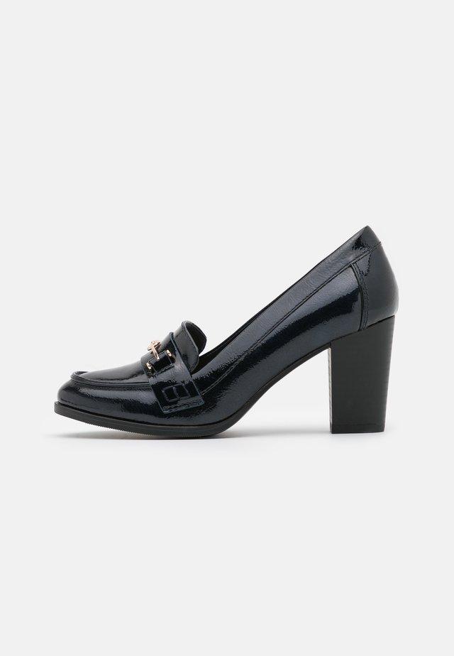 CONQUER - Classic heels - navy