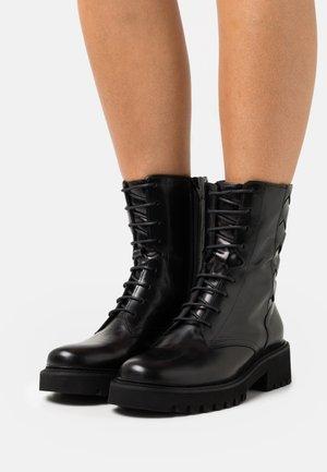 ROW - Bottines à lacets - black