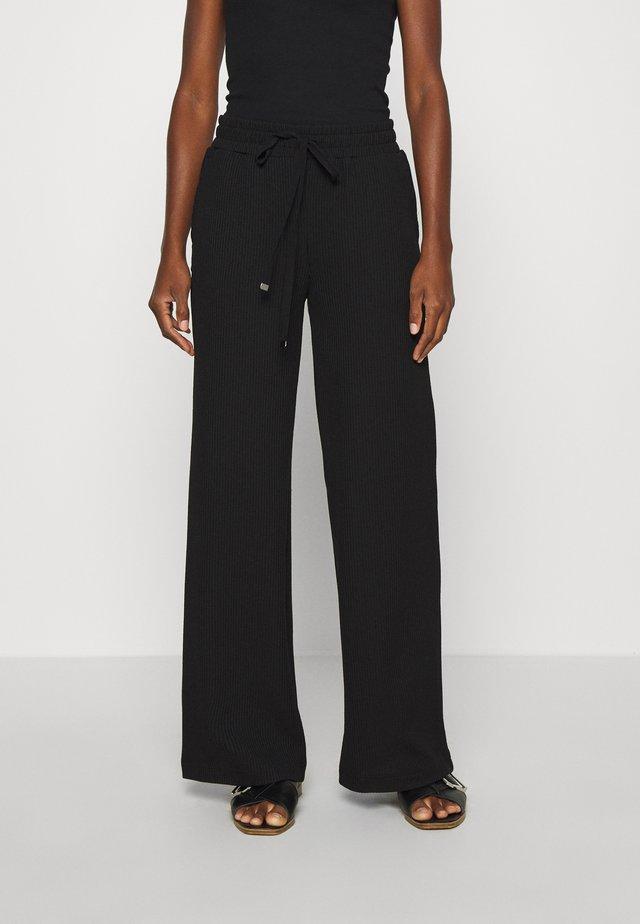 BEATHE LONG PANTS - Pantaloni - black