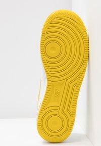 Nike Sportswear - AIR FORCE 1'07 - Baskets basses - white/bright citron - 6