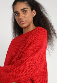 Urban Classics - LADIES WIDE OVERSIZE  - Jumper - firered - 4
