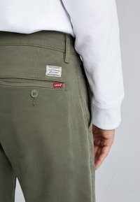 Levi's® - XX CHINO SLIM FIT II - Chinos - bunker olive shady - 4