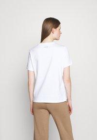 Holzweiler - SUZANA CLASSIC TEE - Jednoduché triko - white - 2