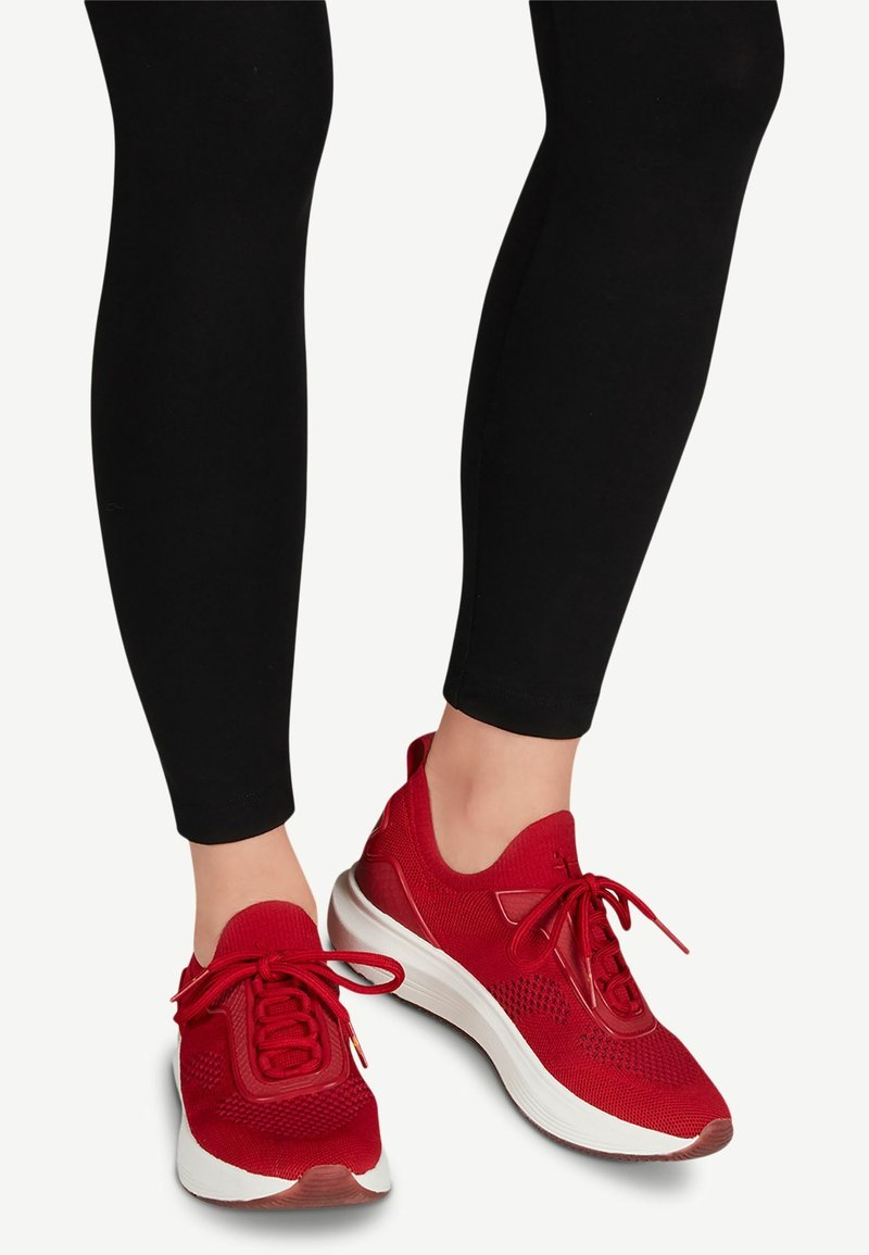 Tamaris Fashletics - LACE-UP - Baskets basses - scarlet