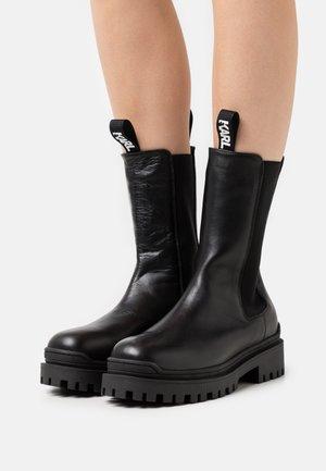 LONG GORE BOOT - Bottes à plateau - black