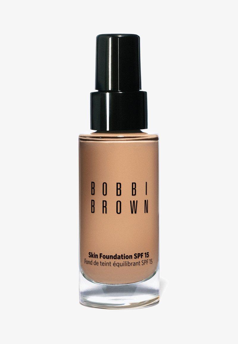 Bobbi Brown - SKIN FOUNDATION SPF15 - Foundation - w-046 warm beige