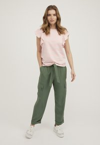 Oliver Bonas - FRILL  - Print T-shirt - pink - 1