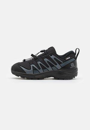 XA PRO V8 CSWP UNISEX - Hiking shoes - black/ebony