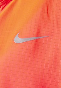 Nike Performance - ESSENTIAL JACKET PLUS - Chaqueta de deporte - bright mango - 2