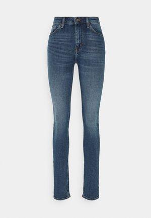 SHELLY - Jeans Skinny - dust blue