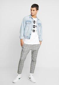 Nike Sportswear - TEE - Print T-shirt - white - 1