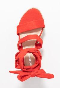 Public Desire - FRESCA - Sandály na platformě - red - 3