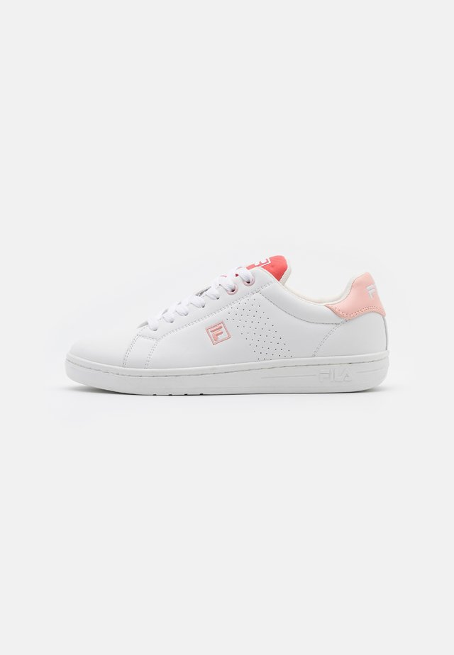 CROSSCOURT 2 - Trainers - white/spiced coral