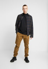 Only & Sons - ONSCAM STAGE CUFF - Cargo trousers - kangaroo - 1