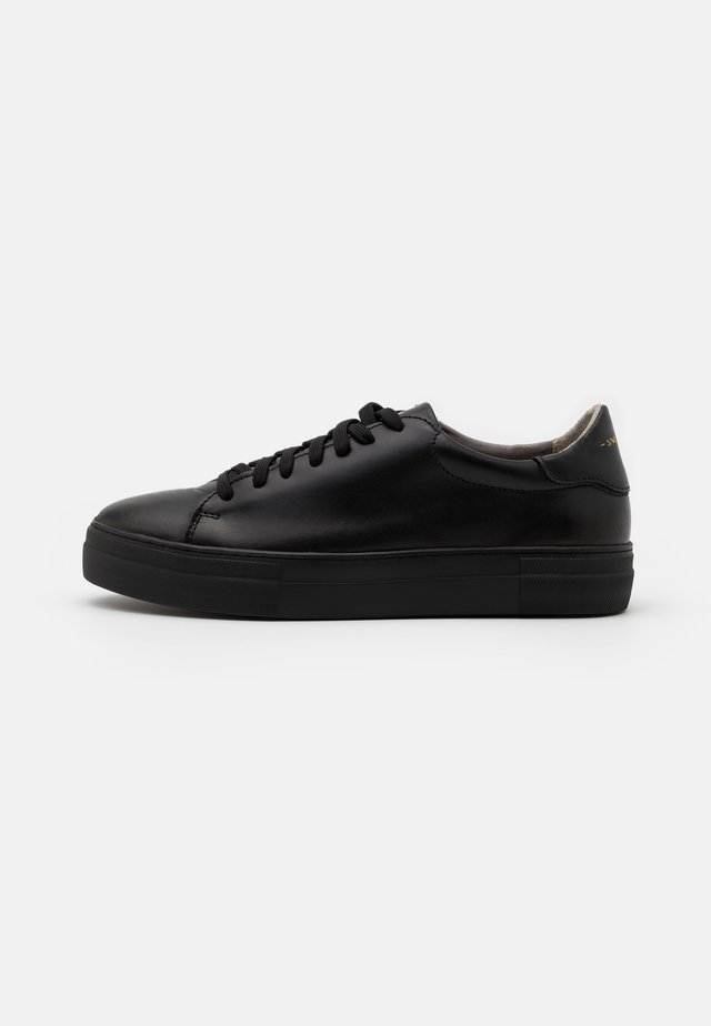 SLAMMER EXCLUSIVE - Sneakers laag - total black