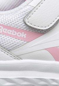 Reebok - REEBOK RUSH RUNNER 3 SHOES - Minimalist running shoes - white - 10