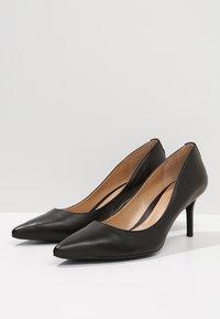 Lauren Ralph Lauren - SUPER SOFT LANETTE - Classic heels - black - 4